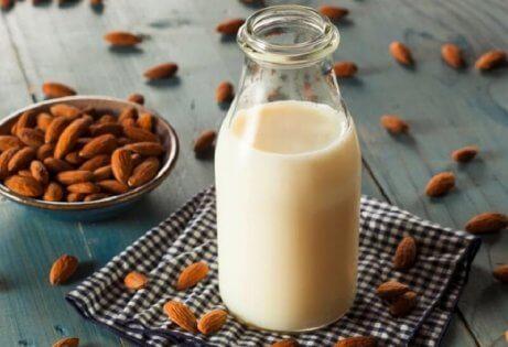 bir şişe badem sütü