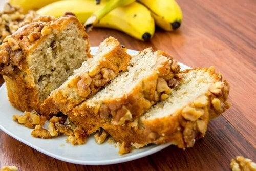 şekersiz muzlu fındıklı ekmek