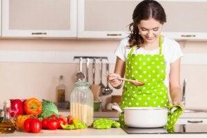 Yemek Yapmak İstemenize Neden Olacak 12 Mutfak Hilesi