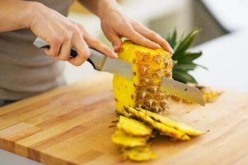 ananası soymak