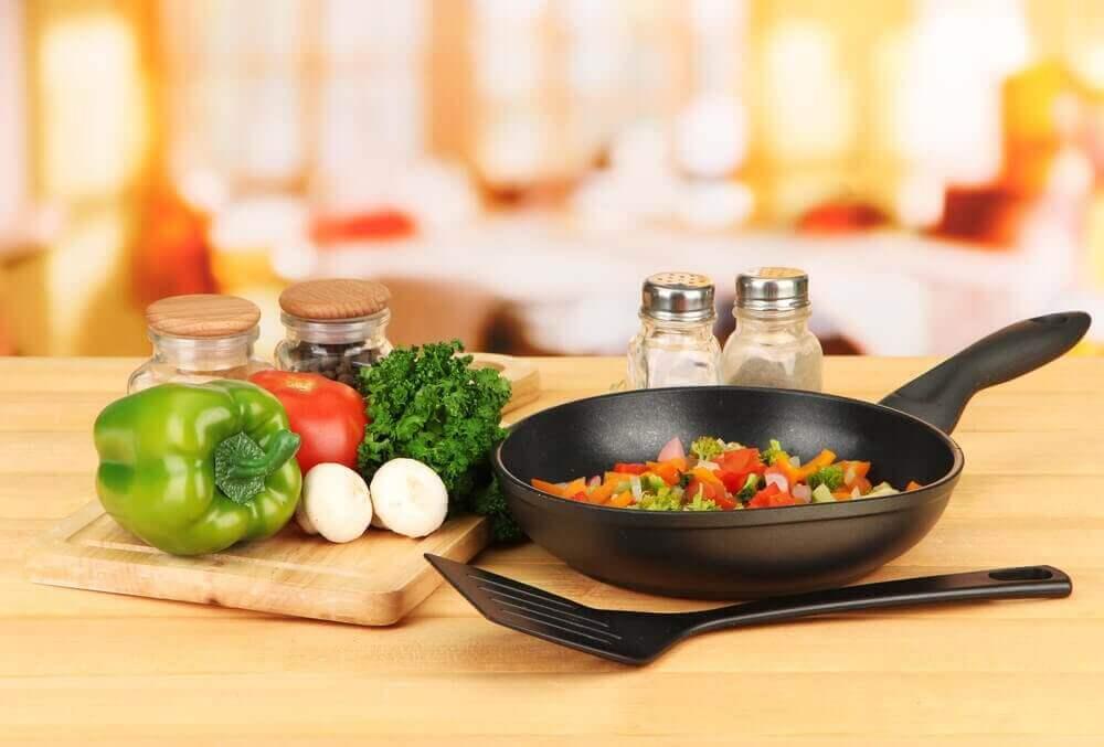 mutfakta sebze yemeği