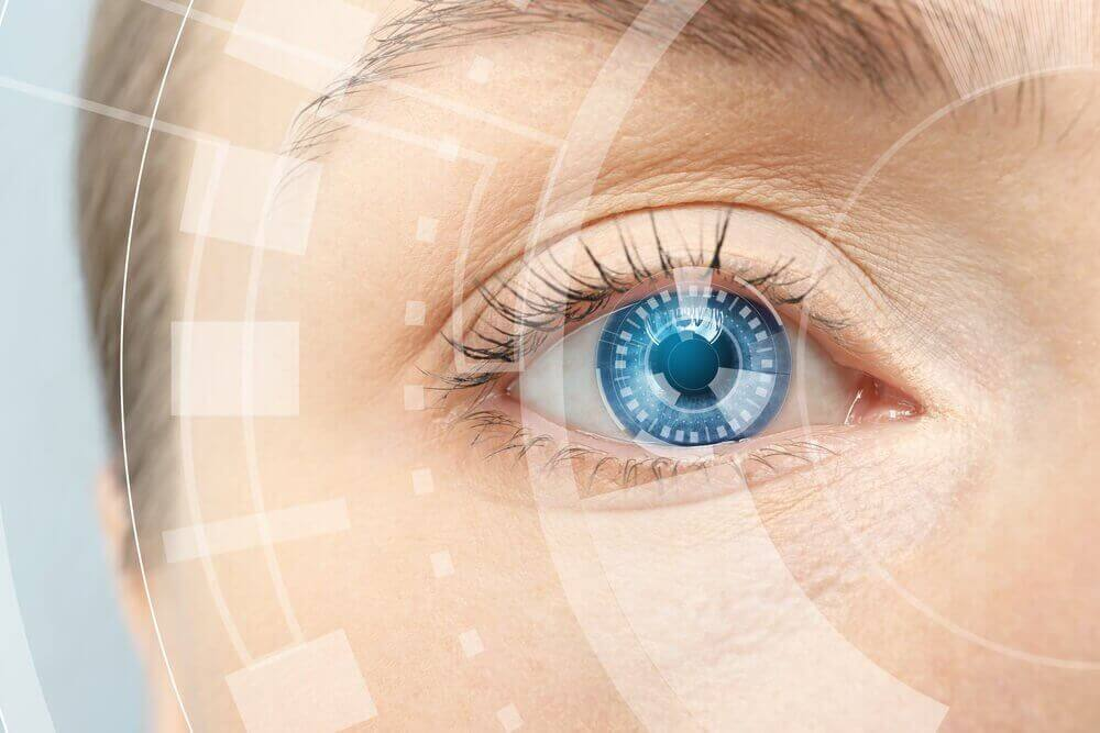 mavi gözlü kadın