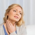 kadının boynu ağrıyor