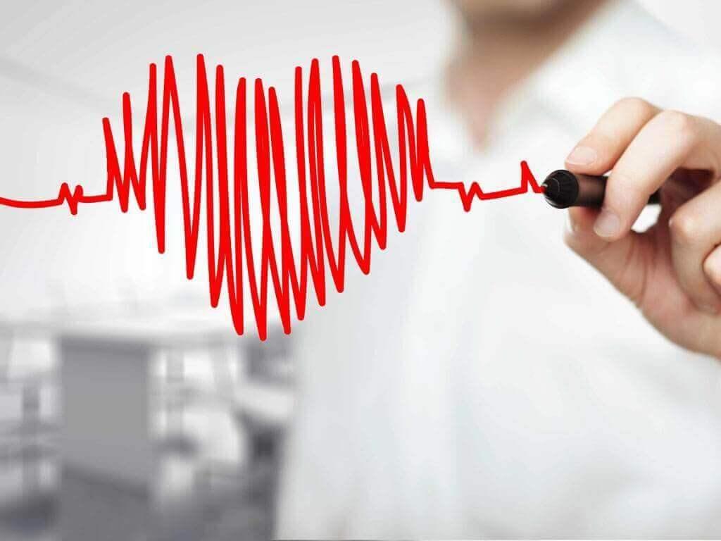 kalp ritmi çizen kişi