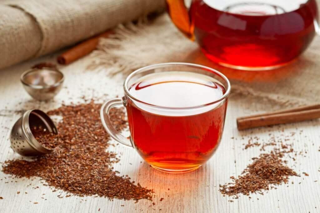 kırmızı çay ve kurutulmuş çay