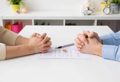 masa eller yüzük anlaşma metni çift