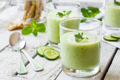 bardakta salatalık suyu