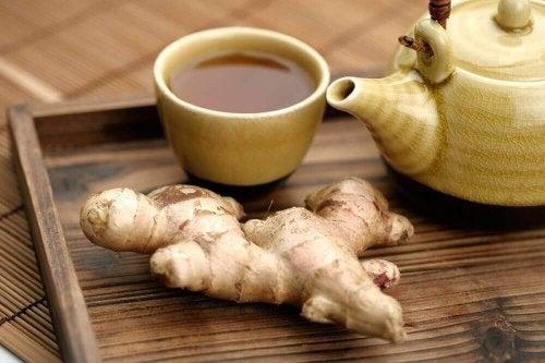 Nefes darlığı tedavisi için zencefil ve karabiber çayı