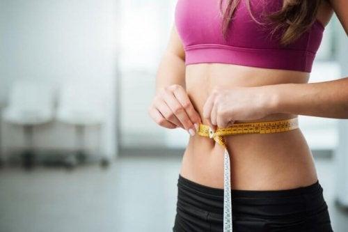 düzenli olarak yoga yapmak kilo vermenizi sağlar