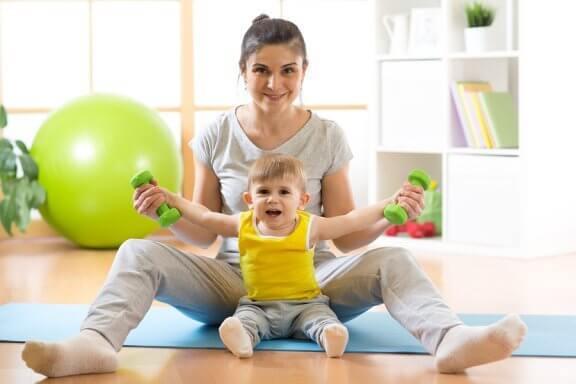 Bebeğinize Oturmayı Nasıl Öğretirsiniz?