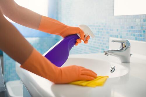 banyo lavabo temizlik yapmak