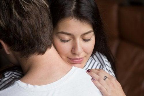 Sevgiliniz İle Bağ Kurmanızı Sağlayabilecek 5 Yöntem
