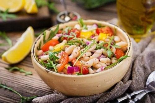 Fasulye Salatası Yapmanın İki Farklı Yolu