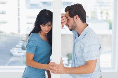 kadın ve erkek ayrı kalmış