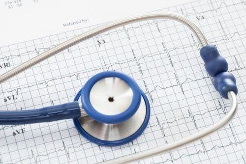 kalp dinlemek için stateskop