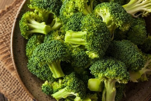 vejetaryen nugget için brokoli