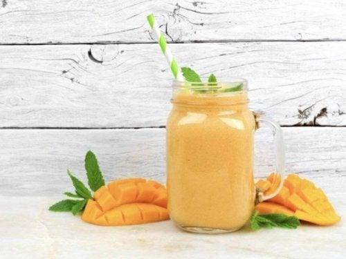 mangolu smoothie kabızlık için mango