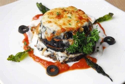 Denemek İsteyeceğiniz 2 Farklı Patlıcanlı Yemek Tarifi