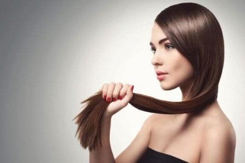 İnce Telli Saçları Güçlendirmek İçin 5 Doğal Yöntem