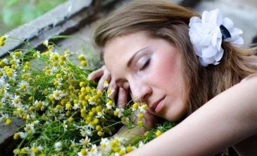 Daha İyi Uyumanıza Yardımcı Olacak 8 Aromatik Yağ