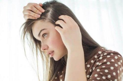 Saç Derisini Güçlendirmek İçin 10 Doğal Yöntem