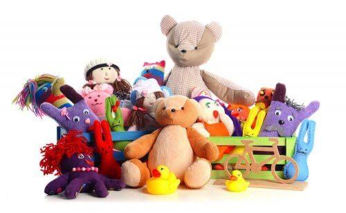 çocuğa çok fazla hediye ve oyuncak vermek