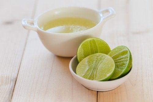 yüksek kolesterolü kontrol altına almak için limon suyu