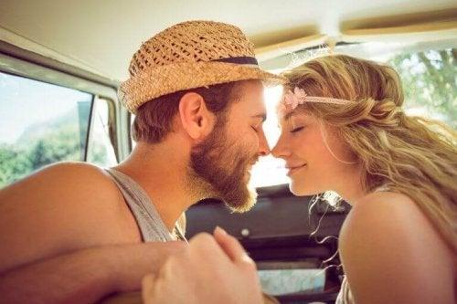 Açık İlişki Öncesinde Atmanız Gereken 5 Adım
