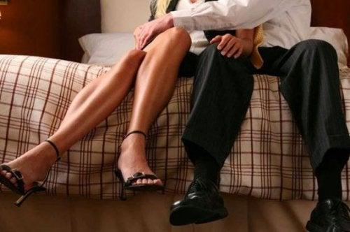 ilişki yaşayan çift