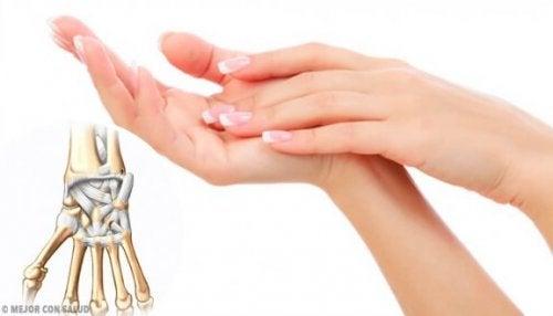 Eklem Ağrılarınız İçin Zencefil ve Zerdeçalı Deneyin