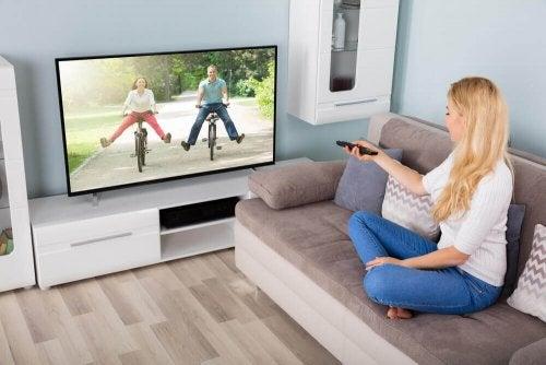televizyonunuzu temizlemenin