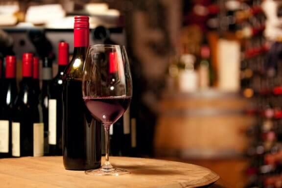kırmızı şarap tadımı