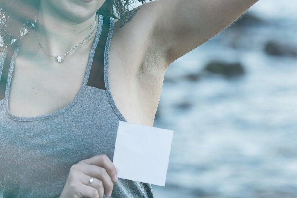 Deodorant Lekelerinden Kurtulmak İçin 5 İpucu
