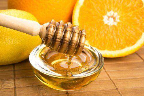 Portakallı ve ballı vinegret sos