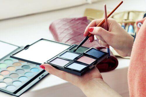 Kozmetikte Uzak Durulması Gereken Toksik Maddeler