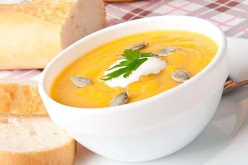 çekirdek bal kabağı çorbası