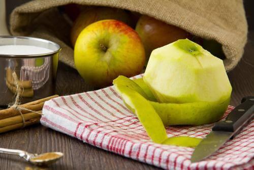 kesilmiş yeşil elma