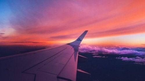 Uçak Korkusu: Nasıl Kurtulabilirsiniz?