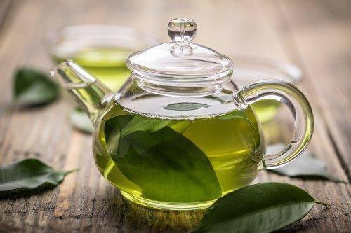 cam demlikte yeşil çay