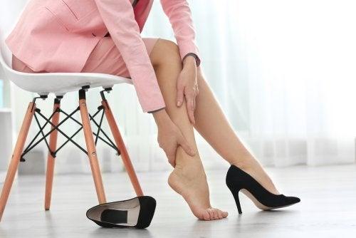 Bacaklarda Şişkinlik: Rahatlama İçin 8 İpucu