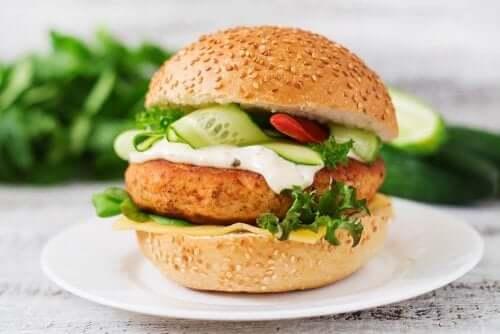 Protein Deposu Tavuklu Burger