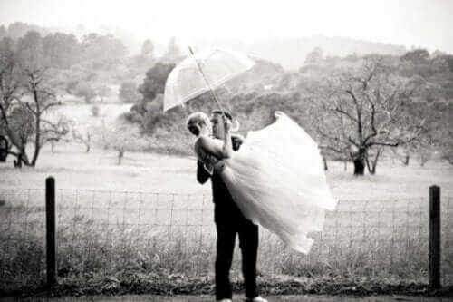Genç yaşta evlenmenin faydaları oldukça fazladır.