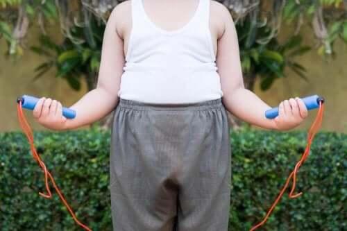 çocukluk çağı obezitesiyle mücadelede ip atlama