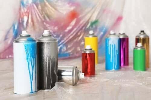 sprey boya tüpleri