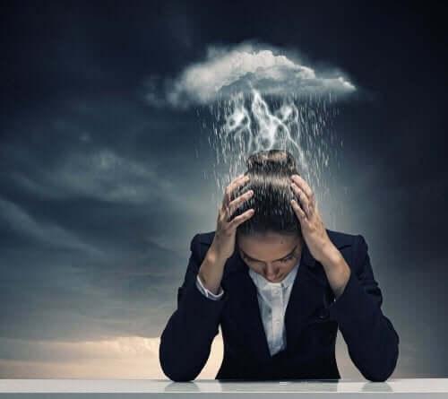 migreni olan kadın