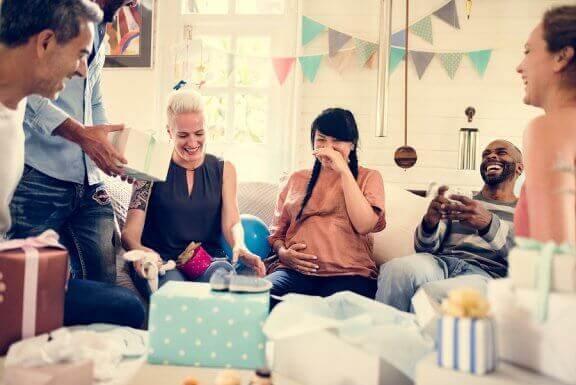 Mükemmel Bir Doğum Öncesi Parti İçin 5 Tavsiye