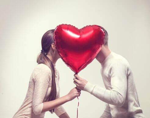 Mutlu Çiftlerin Her Hafta Yaptığı 6 Şey