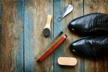 Deri Ayakkabılar Nasıl Temizlenir: 5 Önemli İpucu