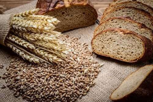 ekmek dilimleri buğday çavdar