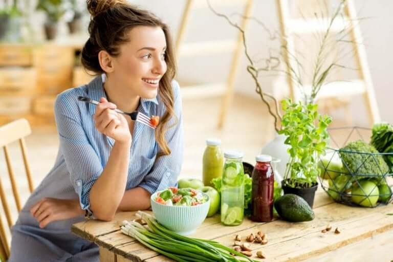 vejetaryen beslenmeye geçen kadın